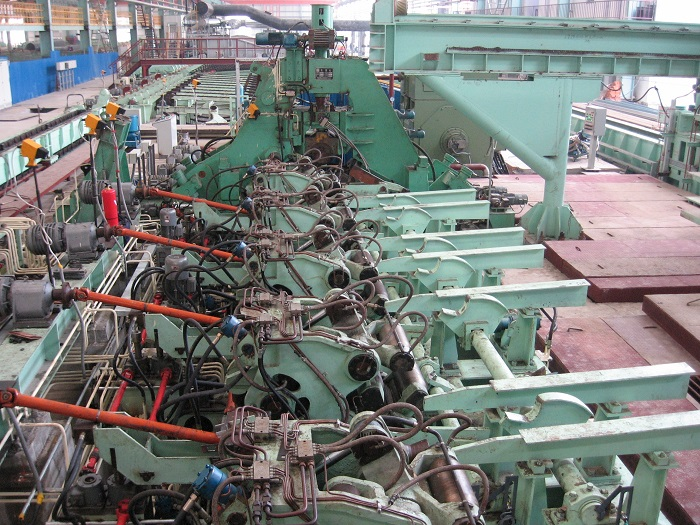 three-roller seamless mill